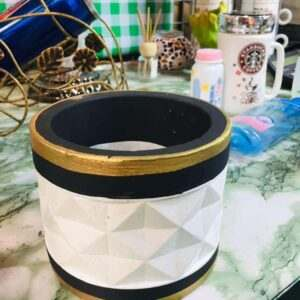 Pots Pot with accent Black and Gold Lid flower